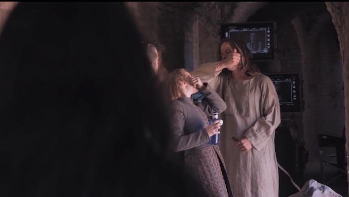 Faye Marsay e Tom Wlaschiha sul set di Game of Thrones 8x06