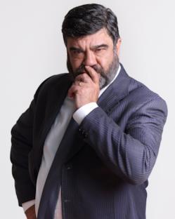Francesco Pannofino è Edoardo Pederzoli, il Presidente della Lombardia
