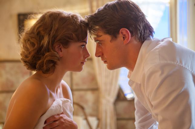 Sophia e Charles in Mistero a Crooked House