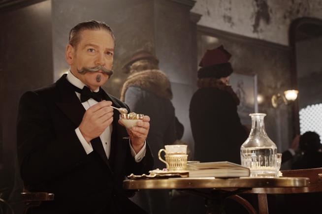 Kenneth Branagh nei panni di Poirot