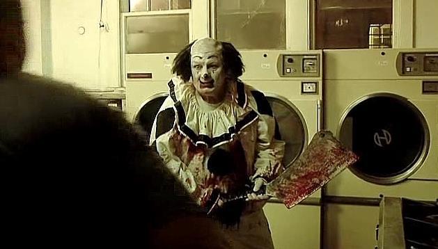Gurdy il clown in lavanderia