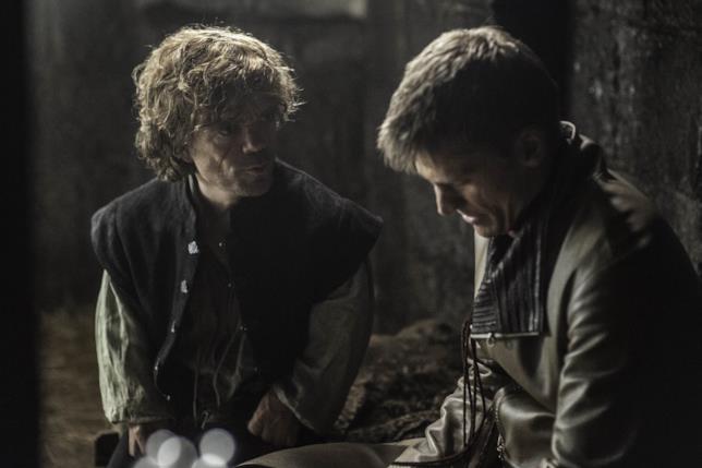 Peter Dinklage e Nikolaj Coster-Waldau sul set di Game of Thrones