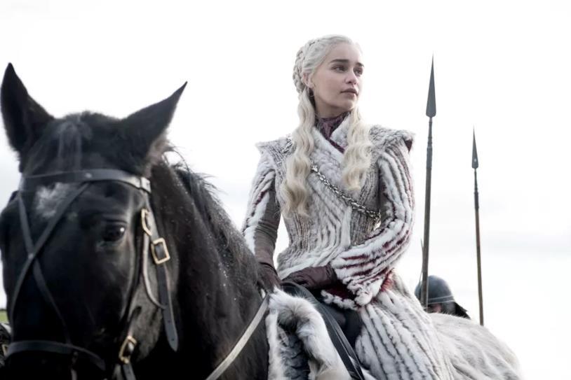 Daenerys a cavallo in GoT 8