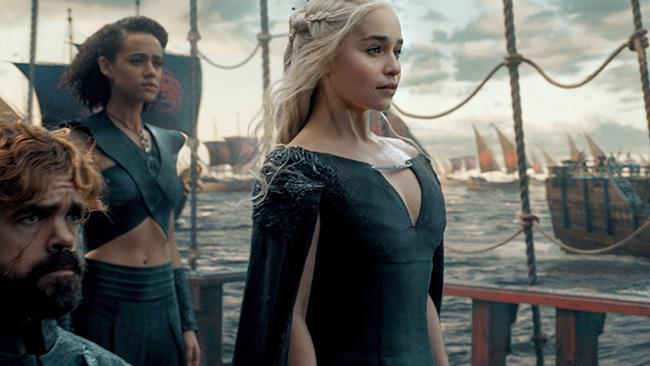 Daenerys Targaryen, Tyrion Lannister e Missandei in Game of Thrones