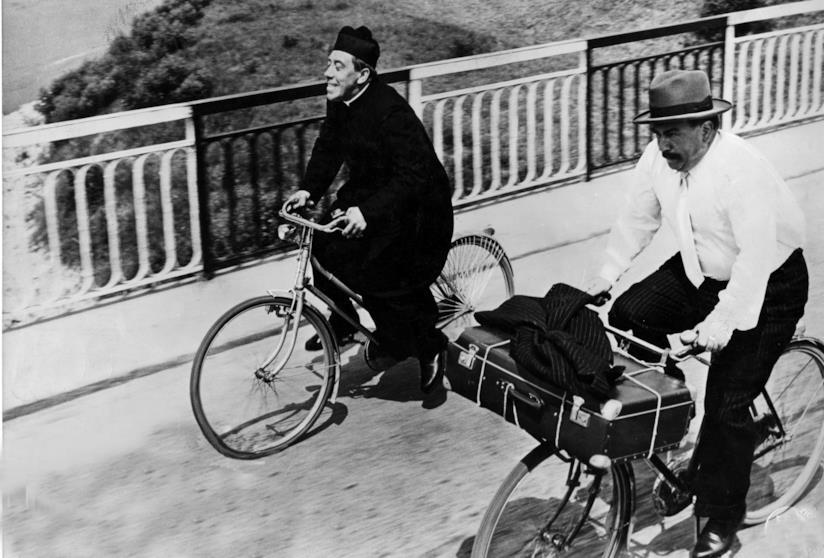 Fernandel e Gino Cervi nel finale del film