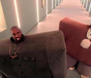 Kanye West e Lil Pump nel video musicale I love it