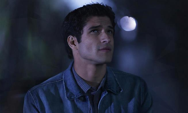 Tyler Posey in uno scatto sul set di Teen Wolf