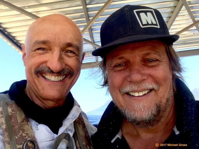 Michael Gross e Don Michael Paul sul set di Tremors 6