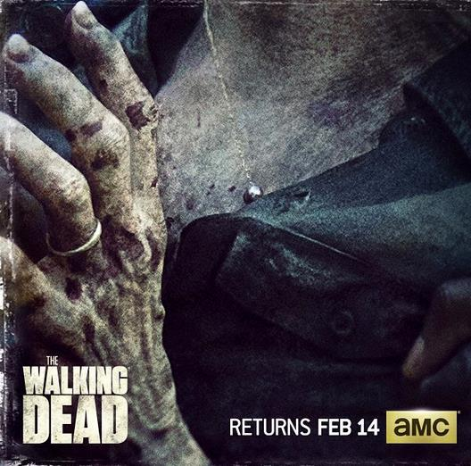 Deanna in versione zombie in una foto ufficiale di TWD