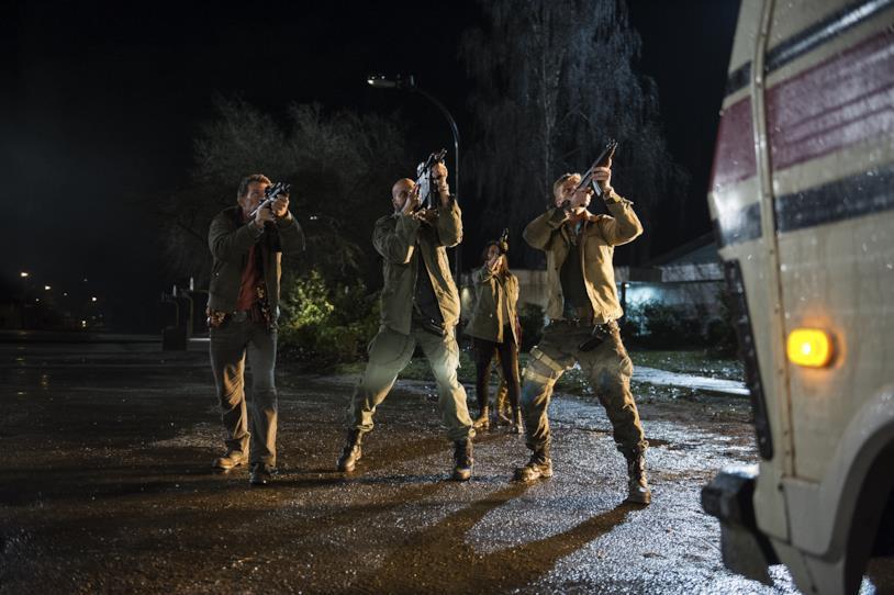 Il gruppo di svitati soldati in una scena del film