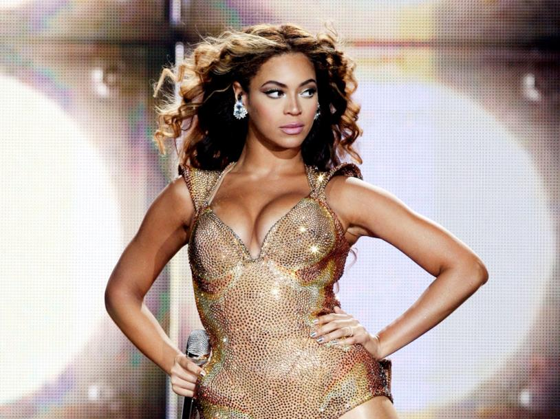 Beyoncé durante una performance
