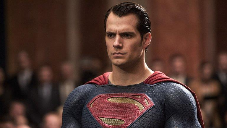 Henry Cavill in una sequenza di Batman V Superman: Dawn of Justice