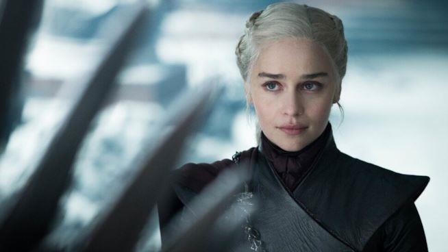 Emilia Clarke nella sua ultima scena andata in onda come Daenerys Targaryen