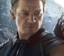 Un primo piano di Jeremy Renner nei panni di Occhio di Falco nel poster di Age of Ultron