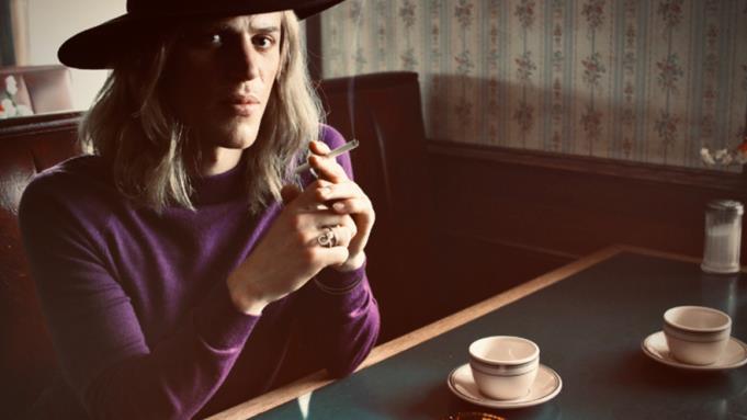 Stardust: la prima foto ufficiale del biopic su David Bowie