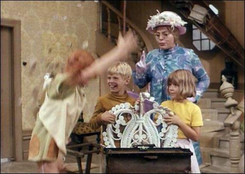 Scena di Pippi Calzelunghe con Zia Prysselisu, Tommy e Annika