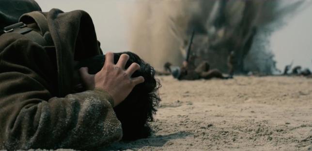 Una delle scene iniziali di Dunkirk