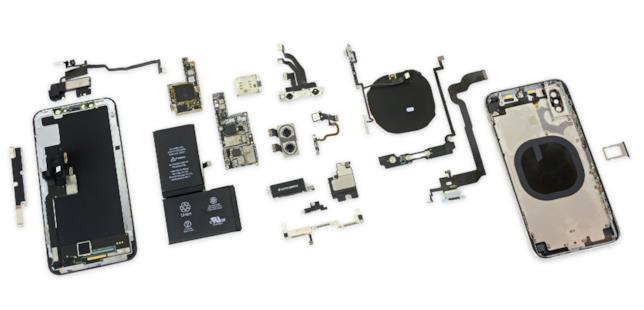 I componenti di iPhone X mostrati dal teardown di iFixit