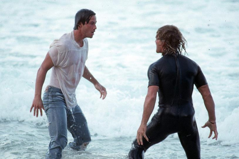 Keanu Reeves e Patrick Swayze in una scena del film Point Break