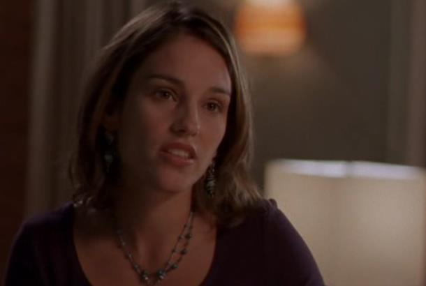 L'attrice Amy Jo Jonhson in una scena della serie