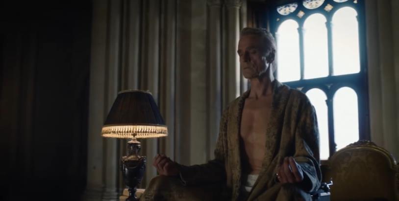Jeremy Irons in una sequenza del teaser trailer di Watchmen