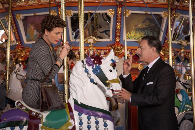 Pamela L. Travers e Walt Disney sulle giostre
