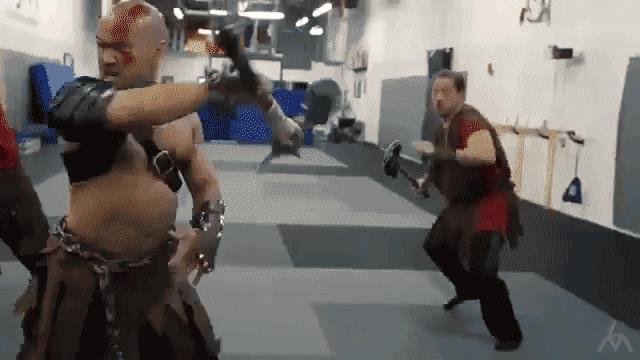 La furia di Kratos nella vita reale con una GIF