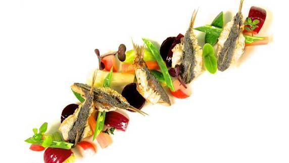 Sarde fritte con verdure in agrodolce