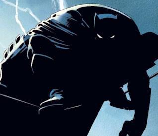 Batman appollaiato in equilibrio su una fune, con fulmini sullo sfondo