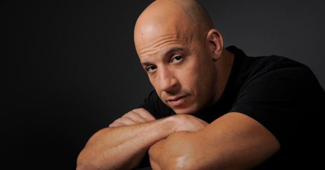 Un primo piano di Vin Diesel