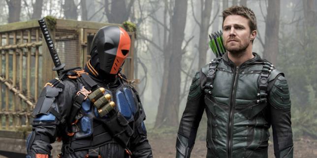Oliver e Slade nel season finale di Arrow 5