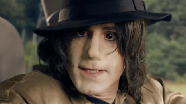 Joseph Fiennes alias Michael Jackson