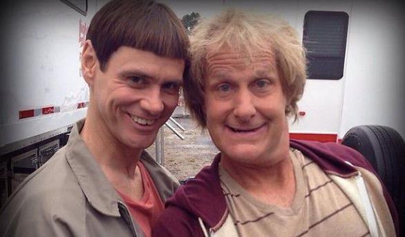 Jim Carrey e Jeff Daniels in Scemo & più Scemo