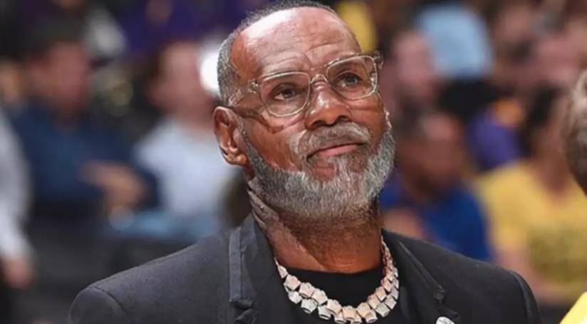 Un invecchiato LeBron James grazie all'app FaceApp