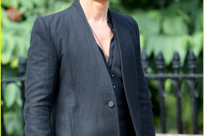 Matthew McConaughey vestito di nero