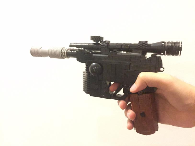 Il Blaster di Han Solo, realizzato in LEGO