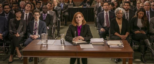Jessica Chastain in una scena del film Miss Sloane - Giochi di potere