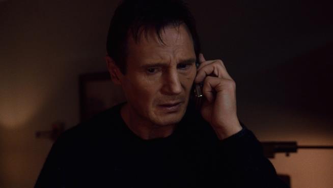 Liam Neeson nell'iconica scena di Io vi troverò