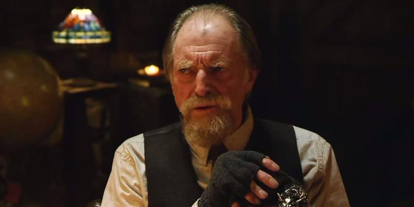 Abraham Setrakian inThe Strain è interpretato da David Bradley.