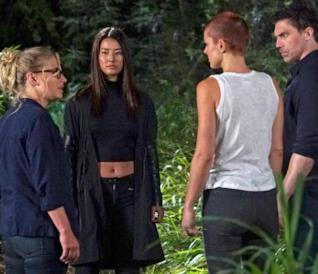 Black Bolt, Medusa, Locus e la dottoressa Louise nel quinto episodio di Marvel's Inhumans