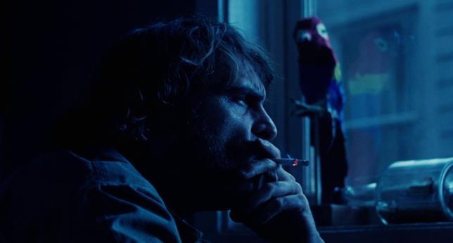 Joaquin Phoenix è il detective Doc Sportello