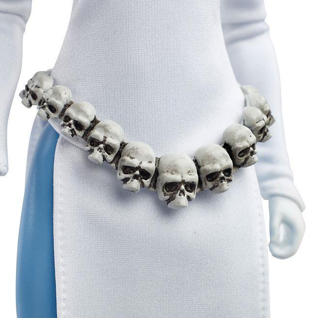 La cintura di teschi di Barbie Mystique