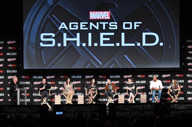 Il cast di Marvel's Agents of S.H.I.E.L.D. al panel dedicato allo show