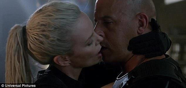 Charlize Theron e Vin Diesel si baciano in Fast 8