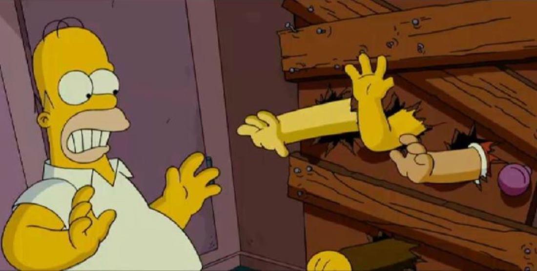 """le mani che si agitano al di là della porta sono un riferimento al film """"La notte dei morti viventi"""" di George A. Romero."""