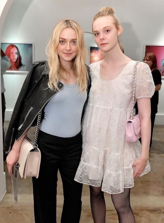 Dakota Fanning e la sorella Elle Fanning