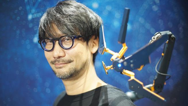 Un primo piano di Hideo Kojima
