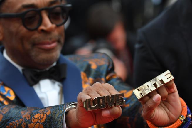 Spike Lee e i suoi anelli Love Hate a Cannes 71