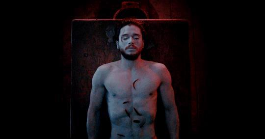 Jon Snow risorge grazie al Signore della Luce
