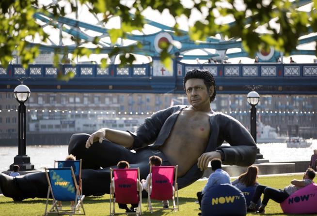 La statua di Jeff Goldblum a Londra